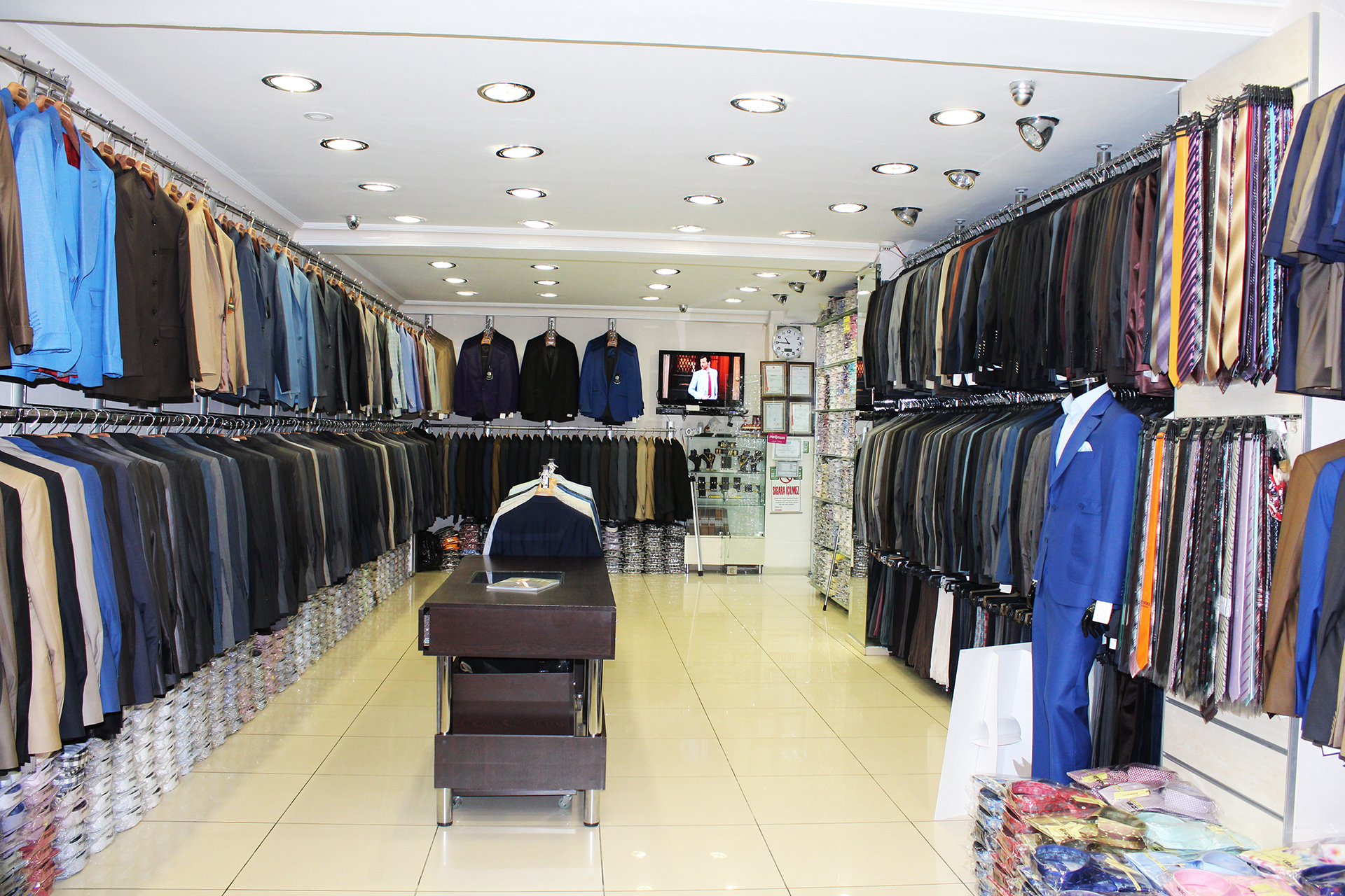 showroom 5 - Mens Wear For Traditional Marriage